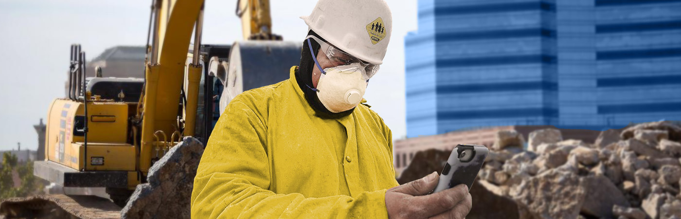 Construction worker with face mask